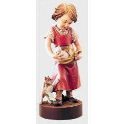 Elegante bambina che gioca con gli amici gatti - Dolfi sculture in legno con motosega, Val Gardena