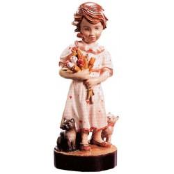 Elegante figura di bambina nell'atto di porgere i fiori