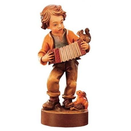 Bub mit Ziehharmonika aus Holz