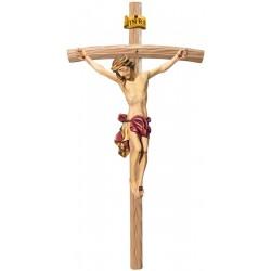 Corpo di Cristo classico scolpito con forza e spiritualità su croce curva chiara, Val Gardena - drappo rosso