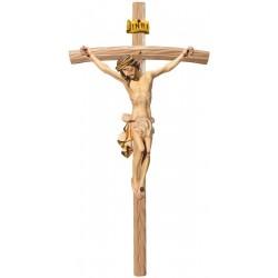 Corpo di Cristo classico scolpito con forza e spiritualità su croce curva chiara, Val Gardena - drappo bianco
