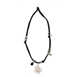Trachtenkette, Halskette mit schwarzem Stretch-Baumwollstoff, Edelweiß Holz und Swarovski Kristalle
