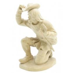 Kniender Hirte ist eine Südtiroler Krippenfigur aus Ahornholz geschnitzt, Grödner Holzschnitzereien - Natur
