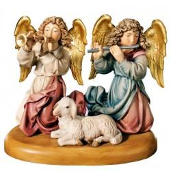Due angeli con pecora per presepe in legno