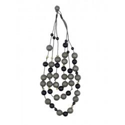 Dreistrangkette mit Perlen aus Naturholz