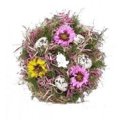 Osterkranz mit ostereier und Blumen