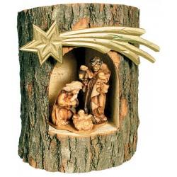 Maria, Gesù e Giuseppe finemente scolpiti nel tronco