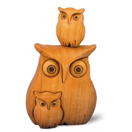 Owl in wood with 2 Kids