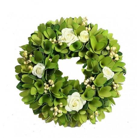 Corona della collezione con foglie e fiori in legno