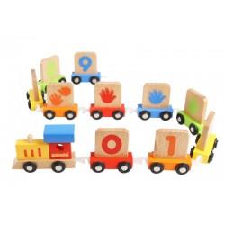 Treno scolpito in legno colorato