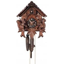 Kuckucksuhr | Dolfi Geschenk für Partner, diese Holzschnitzerei ist eine edle Südtiroler Holzfigur