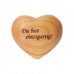 Herz mit Gravur aus Holz