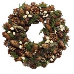 Corona della collezione naturale con semi e muschio