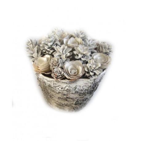 Centrotavola con fiori di legno