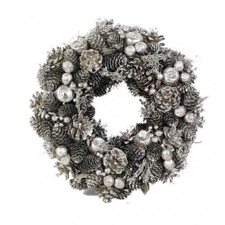 Ornamental Wreath in Pine Cones