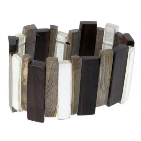 Armband aus Holz gefertigt