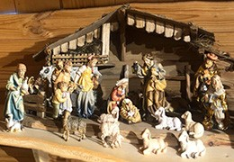 Sacred art: 10 different types of wooden figures for unique nativity scenes